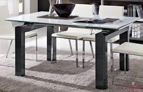 Mobili Per Sala Da Pranzo Moderni : Tavolo da pranzo moderno in vetro