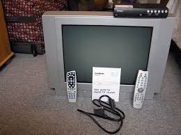hitachi flat screen tv. hitachi 20 inch 51cm flatscreen tv and goodmans digital set top box undamaged flat screen