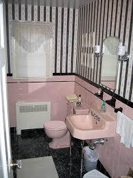 vintage-pink-bath-before
