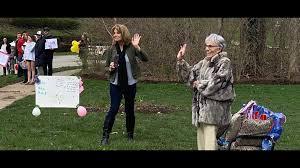 Carmel neighbors help celebrate woman's 91st birthday from a distance    wthr.com