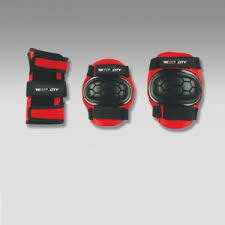 <b>Защита роликовая MaxCity</b> Match, р. S, black / red — купить за ...
