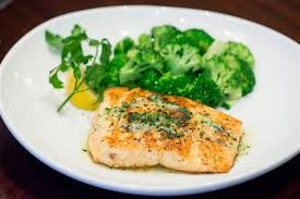 herb grilled salmon olive garden olive gardens new low calorie heres what to order