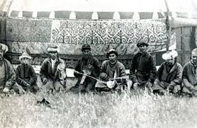 Культура Казахстана во второй половине xix века · Социально   что с целью изучения географии природных ресурсов экономики истории этнографии сюда стали приезжать ученые путешественники Еще в xviii веке