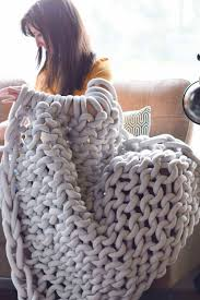 many of you on instagram gave me some great advice on arm knitting and how you ve made large blankets like this ultimately after a lot of google searching