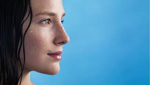 Leonor Prieto, Directora Científica de La Roche-Posay, aclara las dudas y mitos más comunes sobre la limpieza del rostro. Verdadero o falso?FALSO 1. - image001