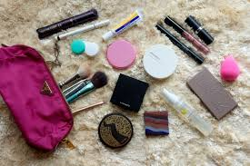 wanna know what s inside my makeup bag that i carry with me when i travel sharing with you here the cosmetics and s i use most of the time when i m