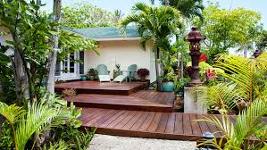 Relaxing front yard fence remodel ideas Metal Frontyard Entry Deck Sunset Magazine Great Deck Ideas Sunset Magazine