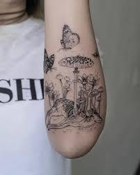 черные и белые фигурные татуировки с помощью Macabre Twist