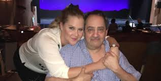 Amy Schumer Watches Dad Stand Nearly Two Decades After Chronic ...