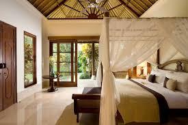3/40. Luxury Bedroom