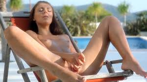 Melanie B masturbates with dildo using her feet PornDoe