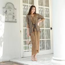 Baju gamis wanita muslim remaja kekinian murah terbaru bahan moscrepe. 10 Model Baju Batik Terbaru 2020 Buat Millennials