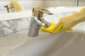 tub with yellow stains best cleaner for bathtubs cleaners for acrylic tubs