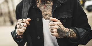 Young Signorino Il Filtro Per Farsi I Suoi Tatuaggi Sul Viso