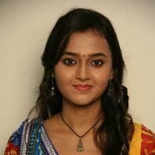 The talented actress Tejaswi Prakash Wayangankar who is seen in the new season of Sanskaar - Sharohar Apnon Ki on Colors as Dhara comes from a Maharashtrian ... - Z6B_98432310e49e3c9b4e4672d74b50e144_m