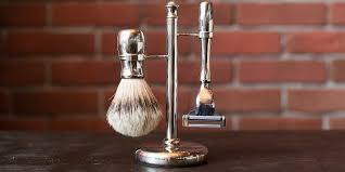 what to look for in a safety razor stand more than you think