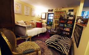 cozy furniture brooklyn. Woman Turns Her Tiny 200 Square Foot Brooklyn Apartment Into A Cozy And Classy Home Furniture