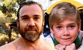 Silver Spoons vet Ricky Schroder is in ...