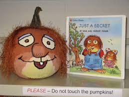 Small Pumpkin Painting Mercer Mayers Little Critter Book Character Pumpkin Pumpkin