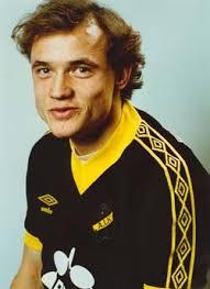 Robert Andersson, som sedan 1990 heter Melander i efternamn, kom till AIK 1982 och gjorde då ... - robeande