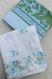 vintage flower sheets 60s 70s 80s vintage flower print fabric bed sheets huge lot of