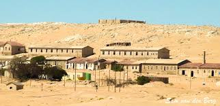 Hasil gambar untuk Kolmanskop, Namibia
