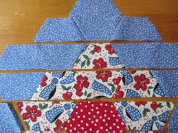 Sew Many Ways...: Machine Sewing Hexagons...Half Hexies That Is & When all the half hexies are sewn together, you now have to sew the rows  together from the top of the flower to the bottom, matching seams as you go. Adamdwight.com