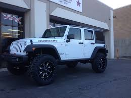 white rubicon on fuel throttles 4inch lift