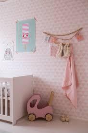 Babykamer Meisje Met Roze Behang Whimsical Kid Spaces In 2019