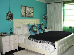 Image Of: What Color Goes With Turquoise Walls