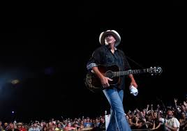 Alan Jackson Extends Celebratory Keepin It Country Tour