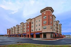 Colonnade Apartments. Harrisonburg, Virginia