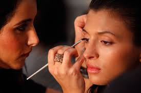 don t just book the makeup artist because everyone said so or because their social a had some amazing pictures the pictures majority are edited