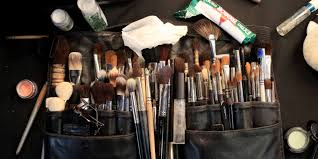 article the only 5 makeup brushes you actually need the best brush cleansers for keeping your makeup brushes in tip how to condition makeup brushes