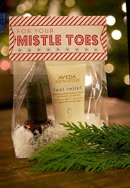 Mistle toes - Christmas party favor or gift.