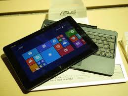 """Asus trình làng bộ 3 máy tính bảng """"lai"""" laptop tại CES 2015"""