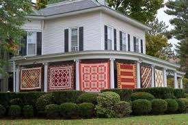 Tunkhannock, PA - Airing of the Quilts, 2000s   Tunkhannock, PA ... & Tunkhannock, PA - Airing of the Quilts, 2000s Adamdwight.com