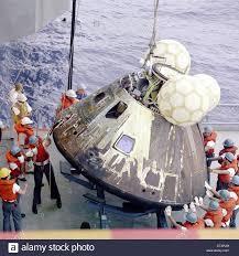 Apollo 13 Kommandokapsel Kapsel ist von den Pazifischen Ozean am 17. April  1970 stammen aus dem NASA-Archiv gewonnen Stockfotografie - Alamy