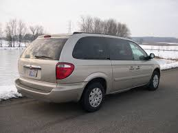 File:2005 Chrysler Town and Country LX rear.JPG - Wikimedia Commons