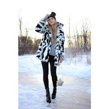 coat fur coat fur collar coat printed fur coat pants black pants skinny pants black boots boots ankle boots bag sweater grey sweater