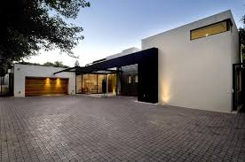 View in gallery single storey home flat roof future vertical expansion 2  driveway thumb 630xauto 38921 Single Storey Home