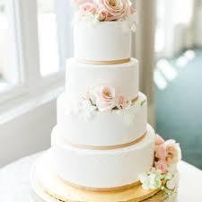Dees Specialty Cakes Bakeries 5606 Alpine Rdg Stevensville Mi