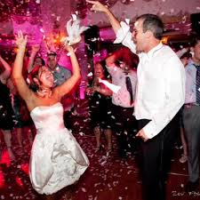 wedding dress shopping redefined at your dream bridal boston Wedding Entertainment Ideas America sponsored content 8 fun wedding entertainment ideas to wow your guest Fun Wedding Entertainment
