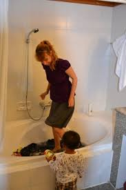 marvelous how to wash clothes in bathtub finding eli laundry in the bathtub
