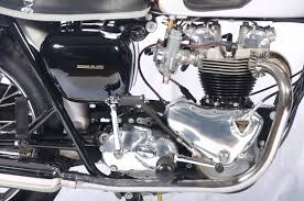 1962 triumph bonneville above 1962 triumph bonneville engine gearbox from the timing side notice the open carbs no filters the woven spark plug wires leading to either side