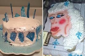 15 Homemade Frozen Themed Birthday Cakes That Tried They Really Tried