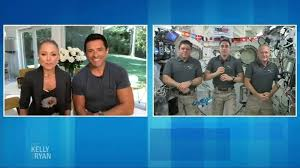 Space geek jared isaacman is in training for his spacex voyage around the globe. Pennsylvania Billionaire Jared Isaacman Buys Spacex Flight To Orbit Globe 1 Seat On Civilian Mission Up For Grabs Abc7 New York