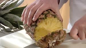 Risultati immagini per tagliare ananas