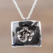 peruvian hand crafted 925 sterling silver rose necklace goth rose