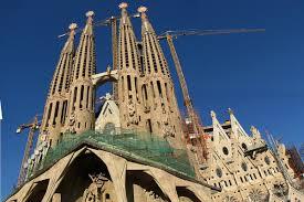 10 most famous architecture buildings.  Buildings Gaud La Sagrada Familia With 10 Most Famous Architecture Buildings